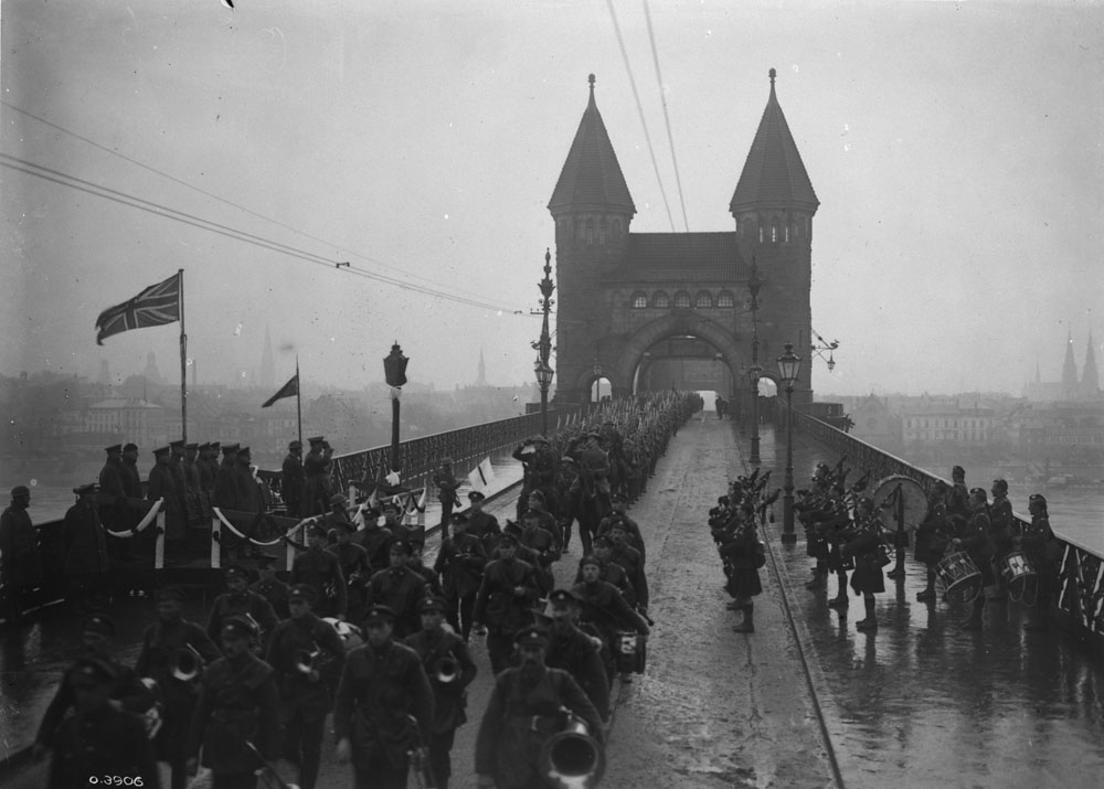 The 19th crossing the Rhine in 1918